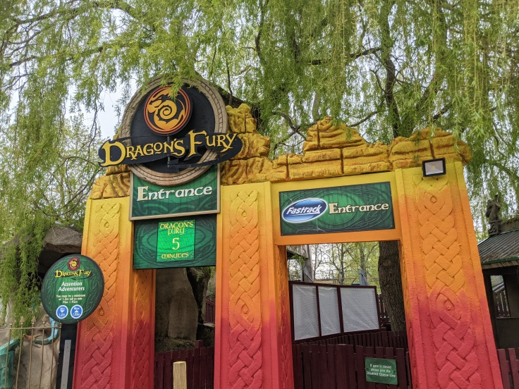 Entrance to Dragon's Fury at chessington